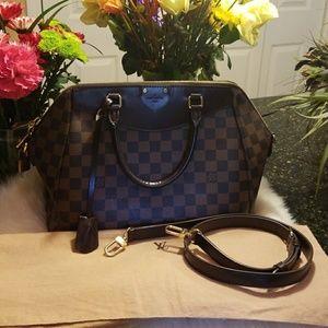 Louis vuitton Mews Elegant Bag!!